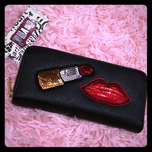 Handbags - Lips and lipstick wallet